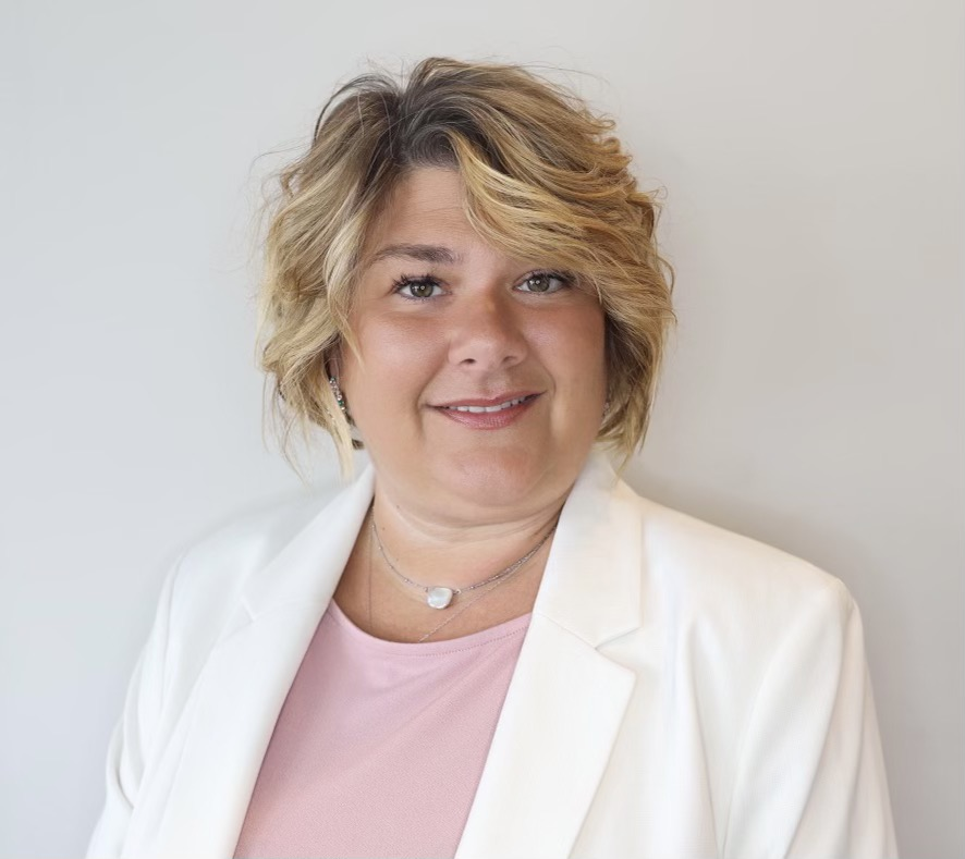 Jennifer    Tokash