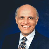 Roy    Girasa